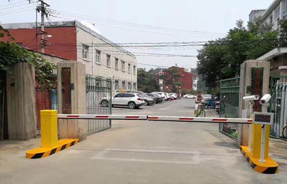 世纪村停车场车牌识别收费系统项目案例